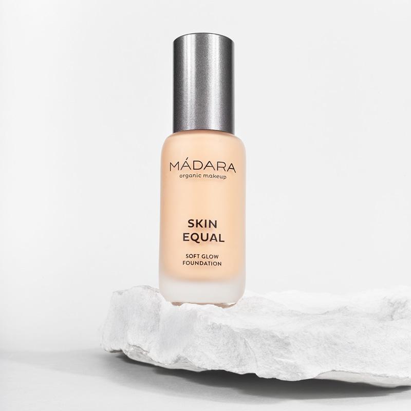 Skin Equal 20 Ivory - fond de ten soft glow SPF15 (30 ml), Madara