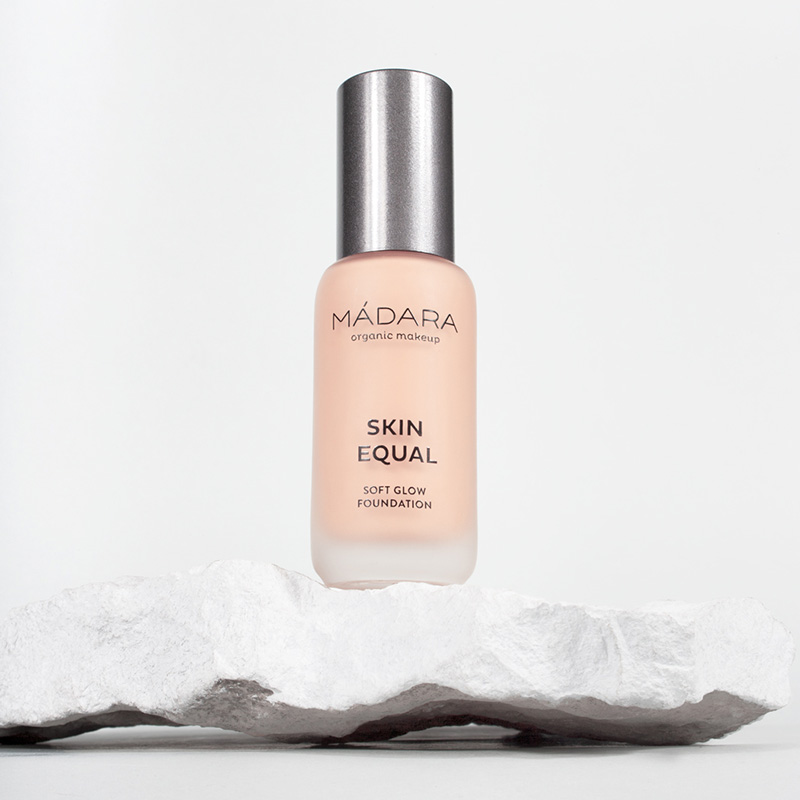 Skin Equal 30 Rose Ivory - fond de ten soft glow SPF15 (30 ml), Madara